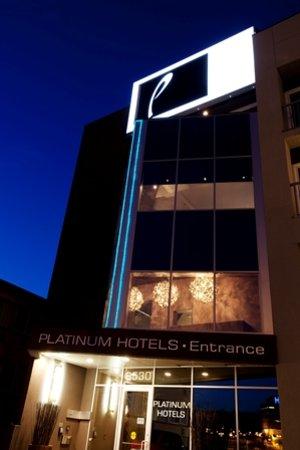 Platinum Hotels: Front Entrance