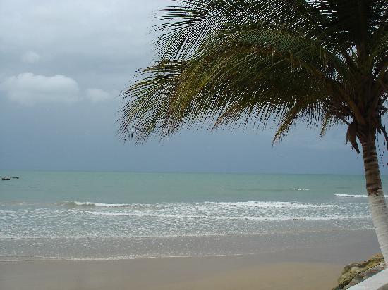 Praia da Lagoinha : Playa en dia nublado