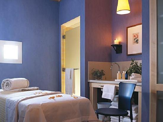 Lake Austin Spa Resort: Massage tables