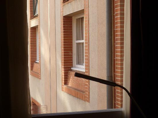 Crowne Plaza Toulouse : View from room on third floor