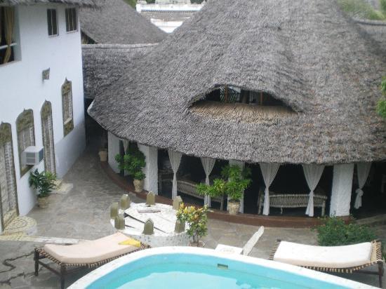 Hotel Melinde: Terrazza sopra piscina