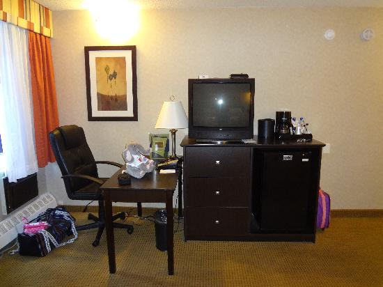 BEST WESTERN PLUS Westwood Inn: work desk area