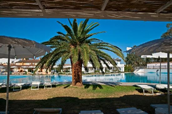Salice Club Resort: la piscina 5