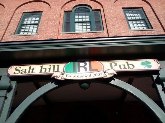 Salt Hill Pub: Sign over the front door