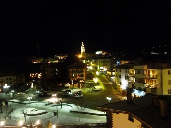 Hotel Piz Galin: Vista di Andalo dall'hotel