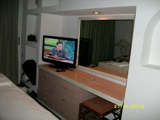 Hotel Venetur Margarita: TV do quarto de casal