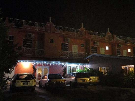 Bellissimo Boutique Hotel: Bellissimo at Night
