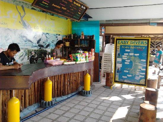 Easy Divers - Koh Tao: Easy Divers mini bar