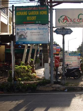 Ao Nang Garden Bungalows: Signage from the main road
