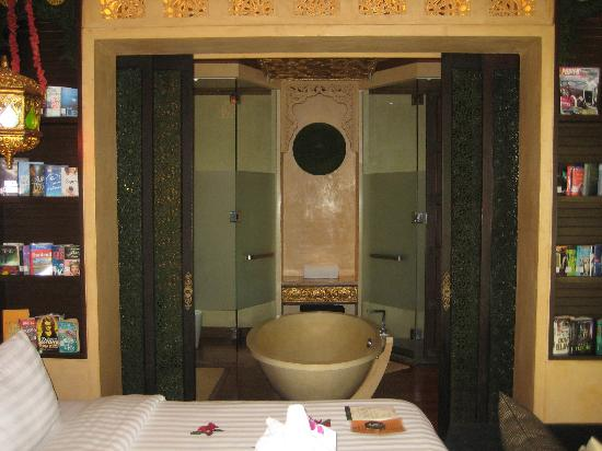 The Baray Villa: From Bed To Bathroom