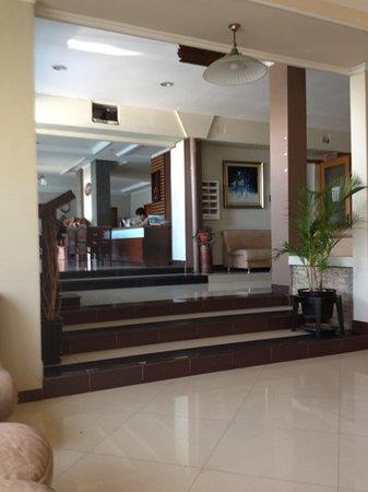 Serena Hotel Bandung: lobby