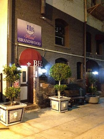 Hotel Brandwood: Rear Entrance at night