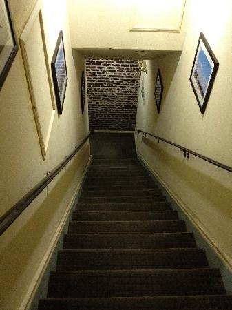 Hotel Brandwood: Rear Entrance stairs (2nd flight) looking down