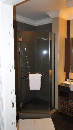 Billion Waterfront : Bathroom view1