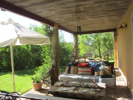 Baradero, Argentina: Garden Tabel