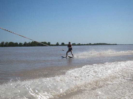 El Vinten: Water Skiing