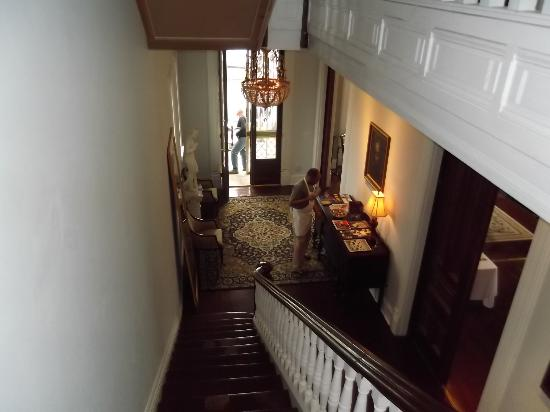 Grand Center Inn : View from the top of the stairs