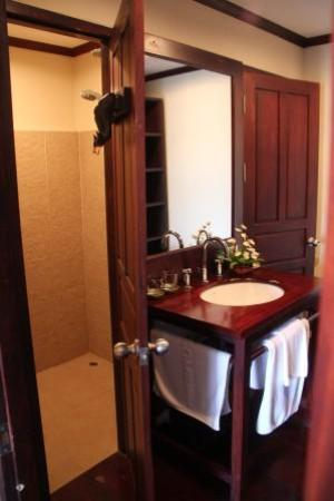 Mekong Estate: Bathroom area