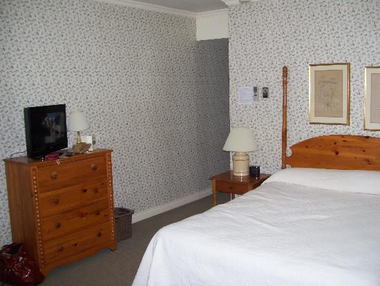 The Briars: comfortable room