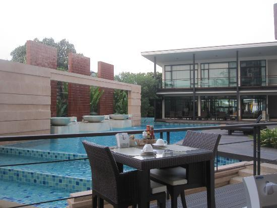 The Grand Napat: Pool site