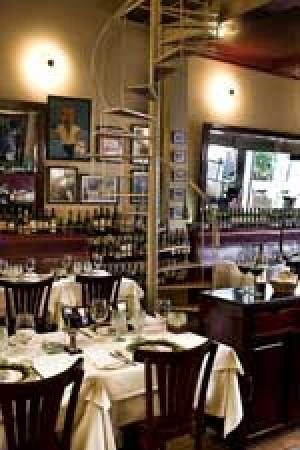 Sip Wine Bar: getlstd_property_photo
