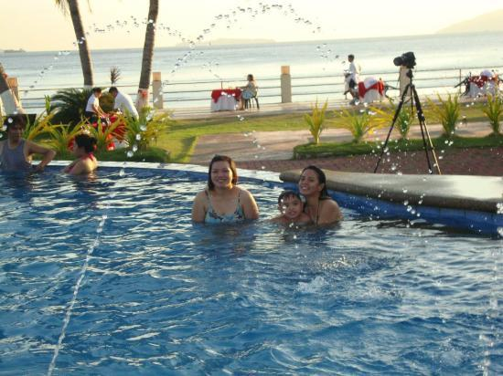 Swim Time In The Pm Picture Of Subic Grand Seas Resort Olongapo Tripadvisor