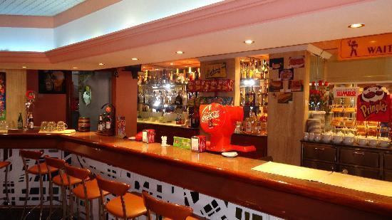 Hotel Helios Benidorm: L'hôtel Helios - Le Bar à L'intérieur