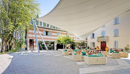 Photo of CDH Hotel Villa Ducale Parma