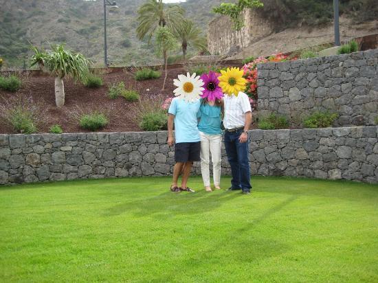 Hotel Rural El Mondalon: Los jardines del hotel son una delicia