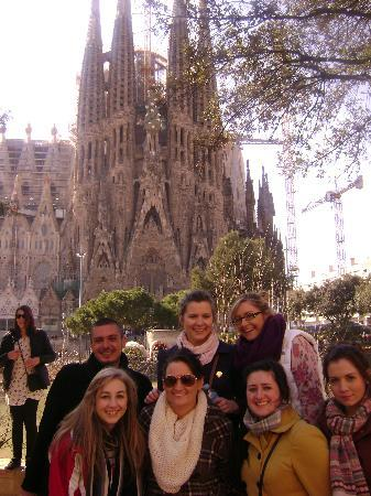 Barcelona Free Tours : Conan with the group!!
