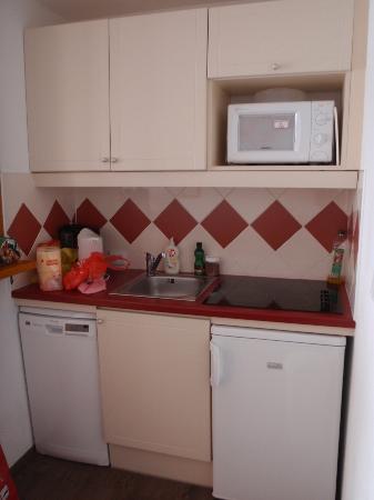 Maeva Residence Les Mélèzes : kitchen