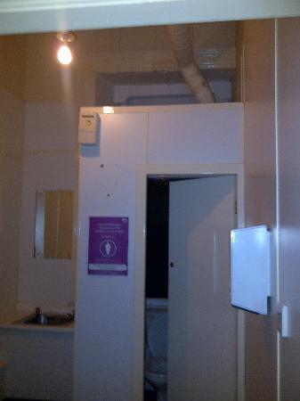 Stromness Hotel: the restaraunt toilet refurbished ?
