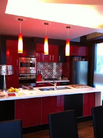 Corinda's Cottages: fully equipped kitchen