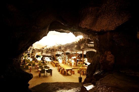 DaHeeYeon: 동굴에서 보는 모습