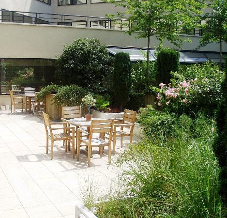 Evergreen Laurel Hotel Levallois Perret France