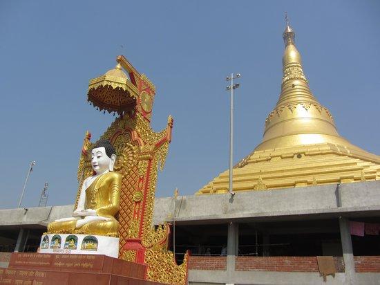 Global Vipassana Pagoda: Budhha Statue with Pagoda inbackdrop