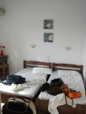 Babis Hotel: Unbequeme Einzelbetten