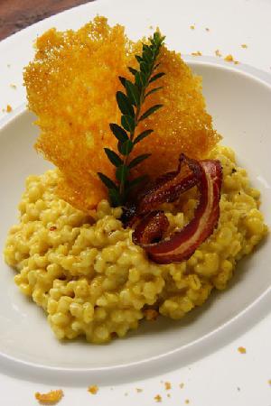 Villa Acquaviva: Orzotto ai pistilli di zafferano e pancetta croccante