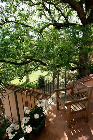 Villa Acquaviva: terrazzo di una suite