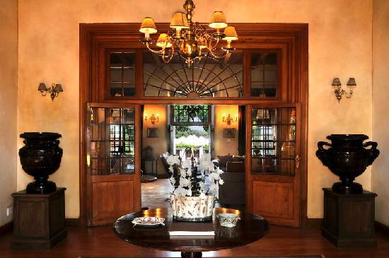Vrede en Lust Estate: The entrance to the Manor House with its 15' high ceilings