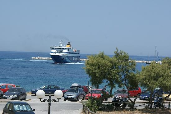 Studios Nostos: BlueStar arrives at the port(from balcony)