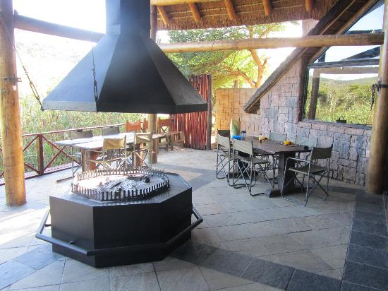 Nyaru Private Game Lodge: Dinner area