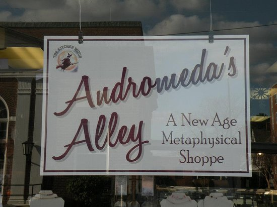 North Attleboro, MA: Andromeda's Alley