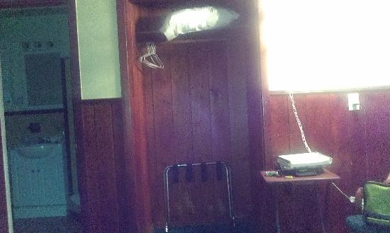 Sun Deck Motel: Closet
