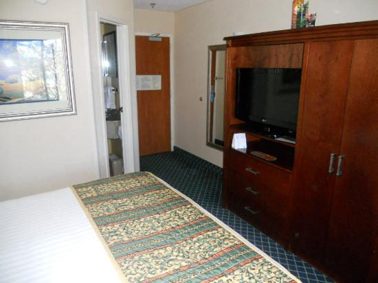 Baymont Inn and Suites Flagstaff: Room