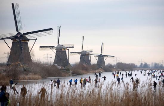 Kinderdijk, The Netherlands: distance view