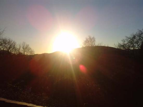 Bryn Tirion Cottage: Sun set from the garden