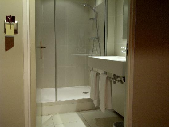 Apparthotel Mercure Paris Boulogne : Bathroom