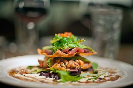 Austria Hof Restaurant: Poki Salad