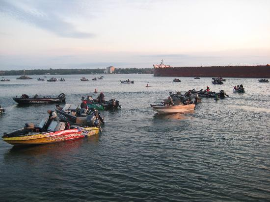 Sault Ste. Marie, มิชิแกน: Walleye Tournament on the St. Marys River
